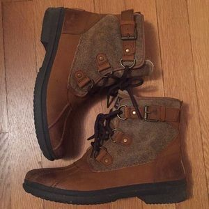 27e0993eafc UGG women's Cecile winter boot size 8